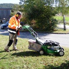 Grünanlagenpflege3-g.jpg